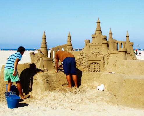 Restaurante en la Playa, artistas